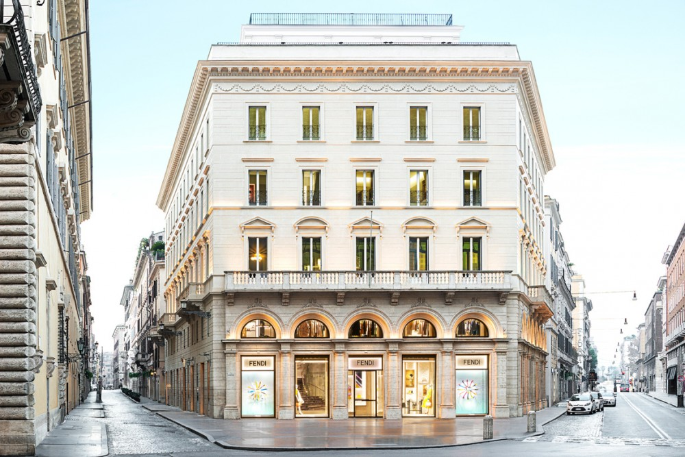 Fendi opens flagship hotel in rome carnet chic for Hotel rome chic
