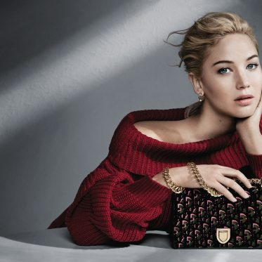 Dior-Jennifer-Lawrence_new_bag_carnet-chic