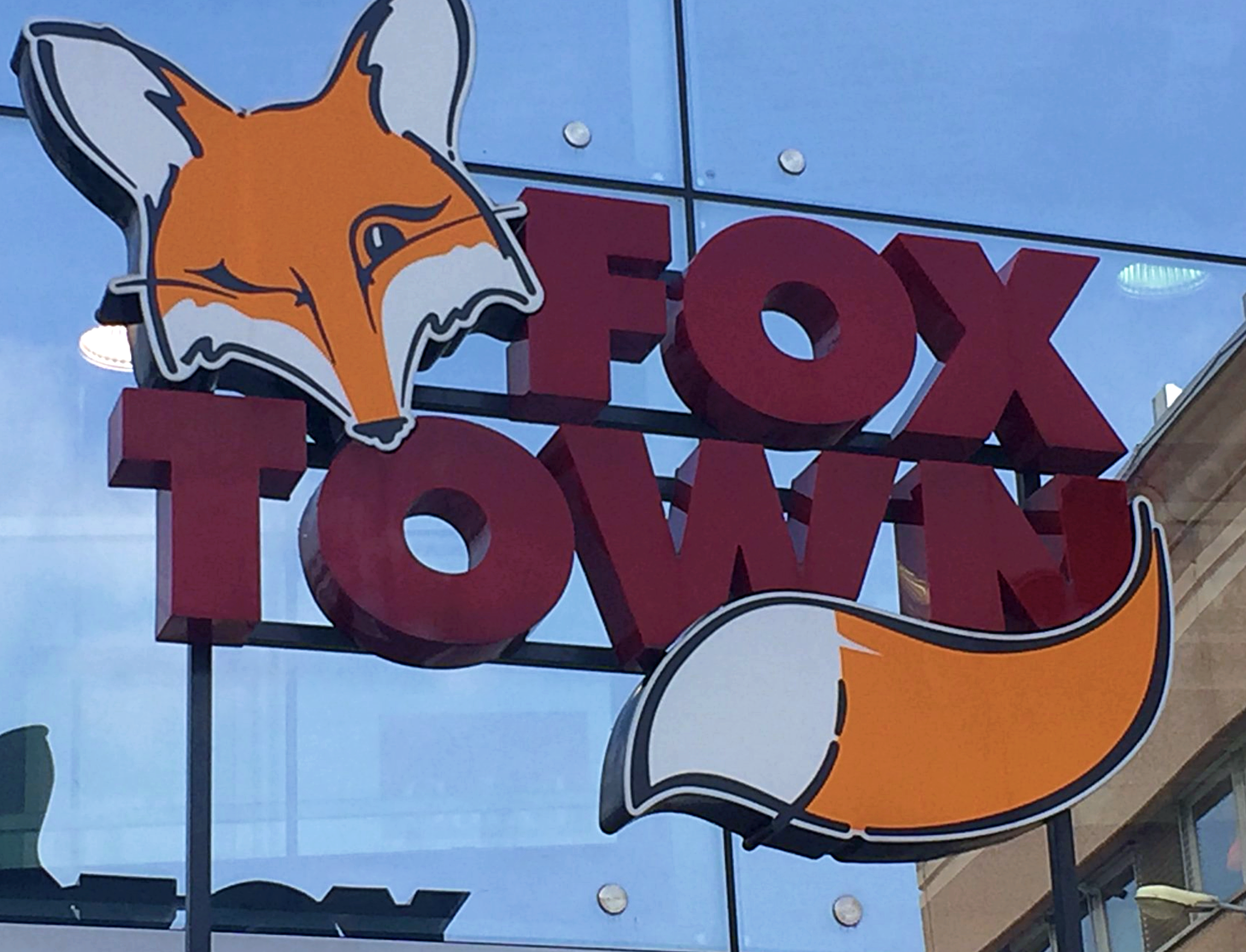 Foxtown factory stores for Milan factory outlet